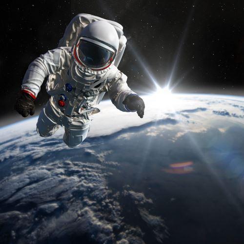 01 - Astronaut ve vesmíru