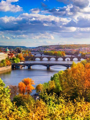 01 - Podzimní pohled na Karlův most v Praze