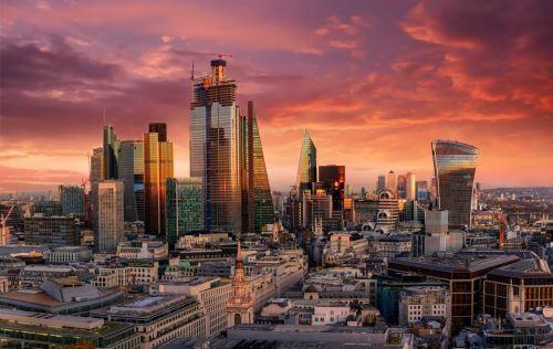 03 - Ohnivý západ slunce v City of London GB